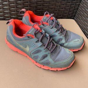 Size 8.5 Nike FlexTrail